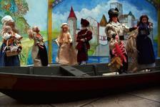 Barbie Sagen Puppen im Boot